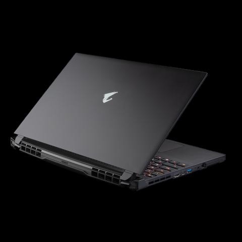 技嘉 大雕 AORUS 15G 15.6寸 240Hz i7-10870H RTX3070Q 512SSD 游戏笔记本 XC-8AU2430SH-